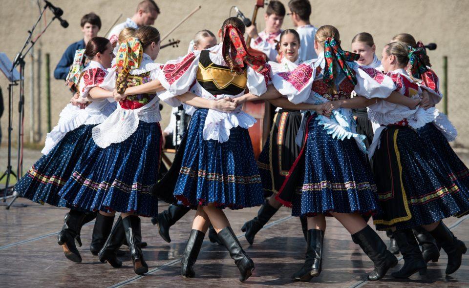 """5. Międzynarodowy Festiwal Folkloru """"Silesia"""". Koszęcin, 31 sierpnia – 6 września 2020 r. <span class="""