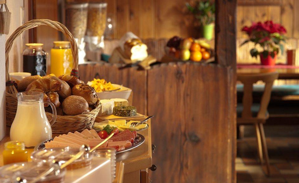 """Regiony """"od kuchni"""" czyli wakacje na szlakach kulinarnych"""