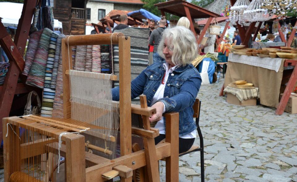 Mistrzyni tkactwa tradycyjnego –  rozmowa z Małgorzatą Urban