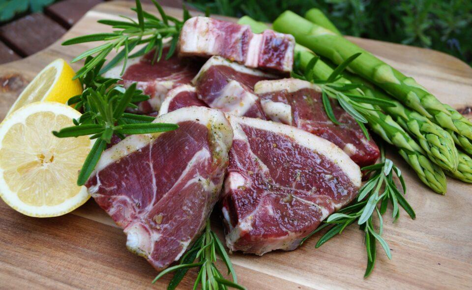 Zdrowe mięso naprawdę istnieje i jest to jagnięcina.