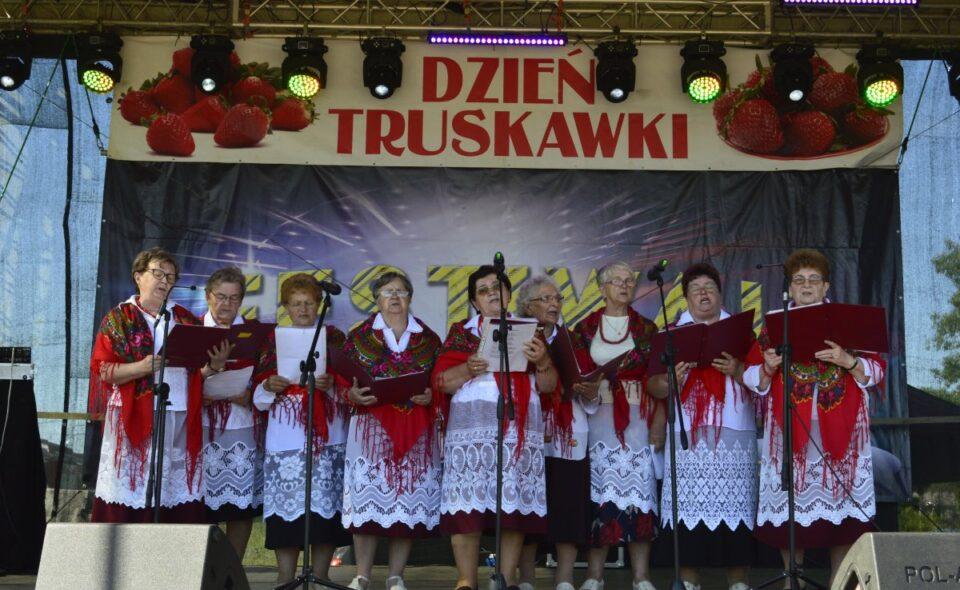 """Koło Gospodyń Wiejskich """"Dobrzynianki"""" w Dobrem"""