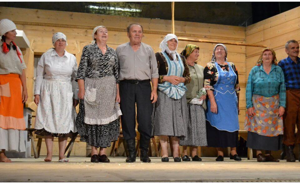"""Z życia na scenę – w Międzynarodowy Dzień Teatru o teatrze wiejskim """"Jamniczanki"""""""
